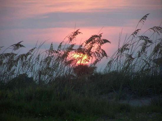 Tybee Island Inn: Sunset on Tybee Beach