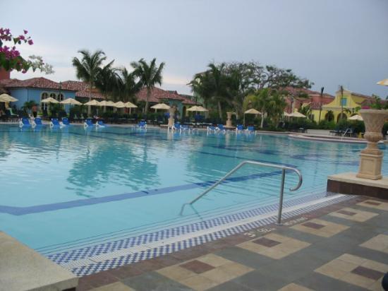 Sandals South Coast : Main Pool