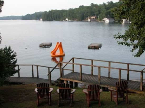 Muskoka District, Canadá: Nice : Early Morning, sit on the chair, watch the perfectly still mirror that is Lake Joseph