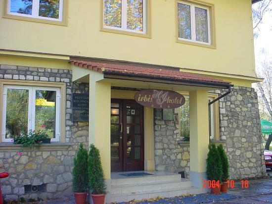 Eva: entrance