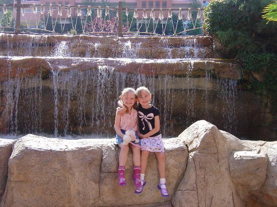 H10 Mediterranean Village: water fountain outside main reception