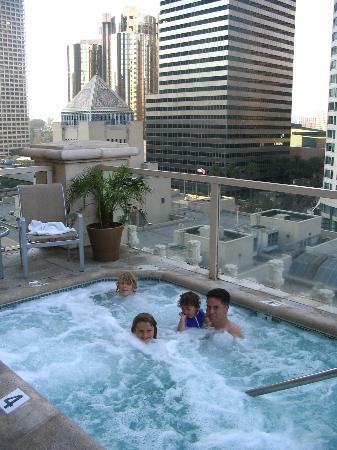 Hilton Checkers Los Angeles Hot Tub With A View
