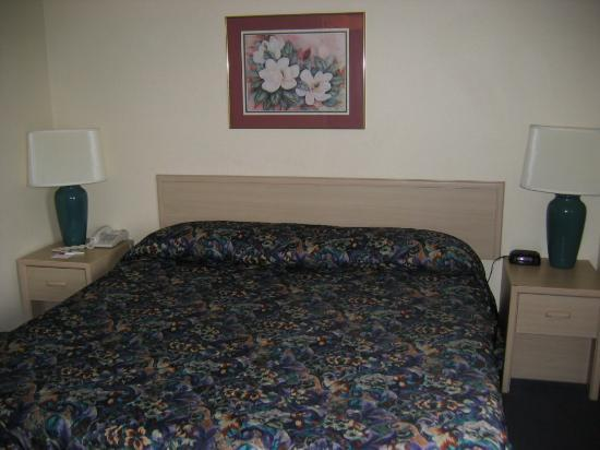 Quality Suites I-240 East-Airport: Bedroom
