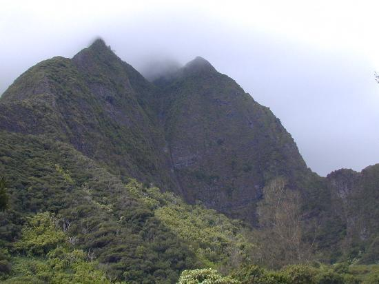 Kamaole Sands: 'Iao Valley, early in the morning