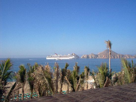 Hotel Riu Palace Cabo San Lucas: Carnival Cruise ship docked near Land's End