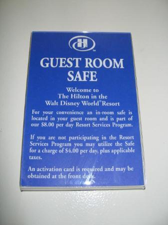 Hilton Orlando Lake Buena Vista - Disney Springs™ Area: Stupid safe requires a card from front desk!