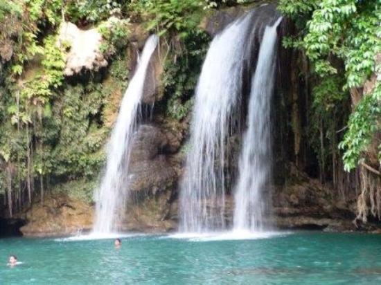 Kawasan Falls : Close up of the 2nd falls