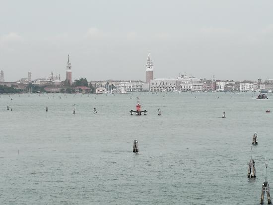Riviera Hotel: View of Venice from our bedroom window