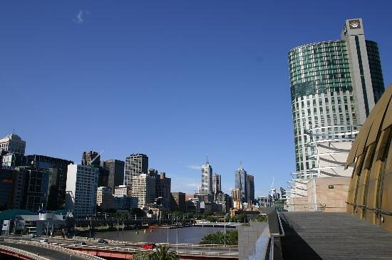 Crown Towers Melbourne : Outside and Yarra