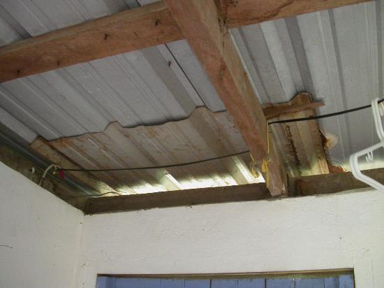 Casa Iguana: The broken ceiling