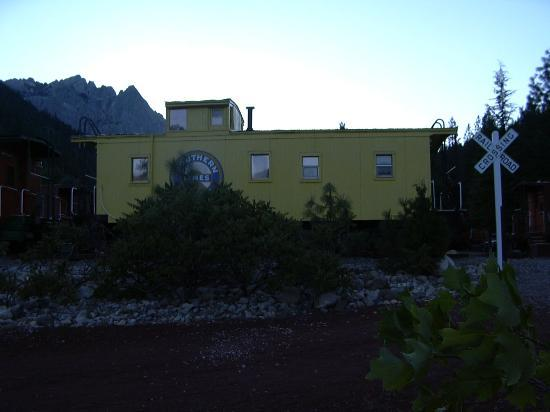 Dunsmuir, CA: Caboose room with Castle Craigs view