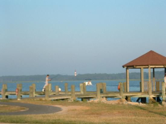 Island Motor Inn Resort : the view of the light house in the distance