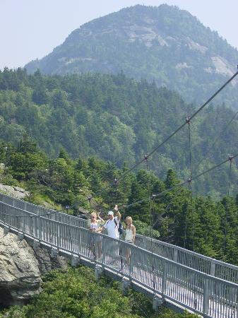 Quality Inn & Suites University: The Bridge at Grandfather Mountain