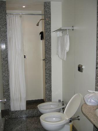 Copacabana Mar Hotel: Bathroom
