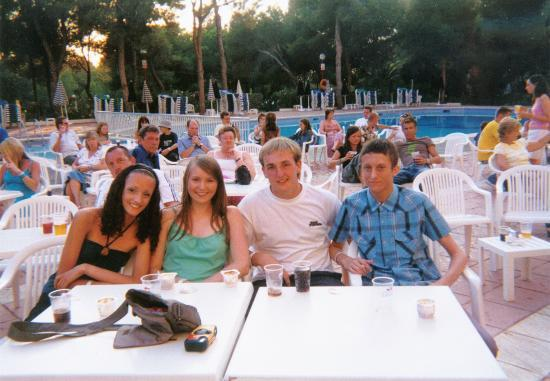 Fiesta Hotel Tanit: Jem, Lauren, Matt and Chris ensuring we have a good spot to watch the entertainment!