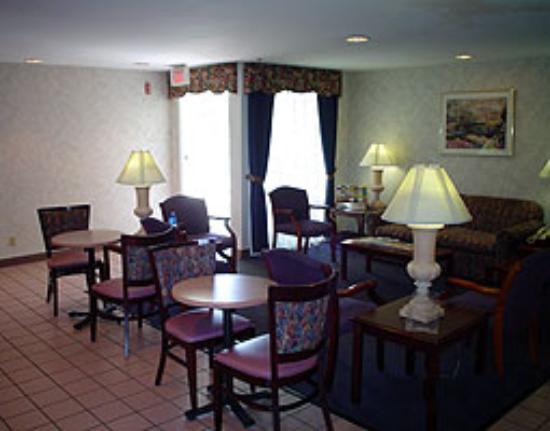 Baymont Inn & Suites Louisville East Photo
