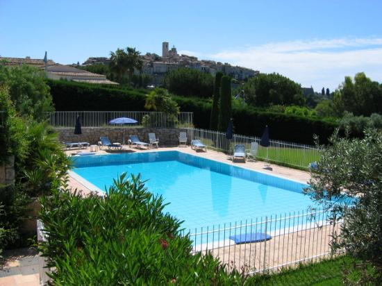 Villa St Maxime : View of swimming pool