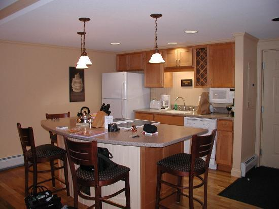 Bluegreen Vacations South Mountain, Ascend Resort Collection: Kitchen - fully equipped, spotless.