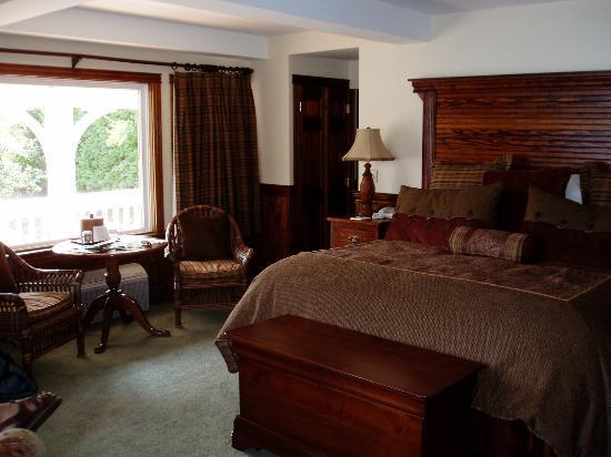 Mirror Lake Inn Resort & Spa: Lake Cottage room