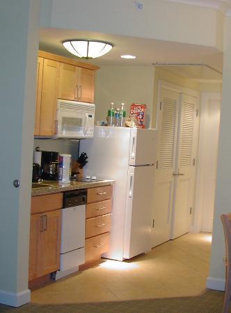 Atlantis - Harborside Resort: Kitchen in the Deluxe 1BR at Harborside