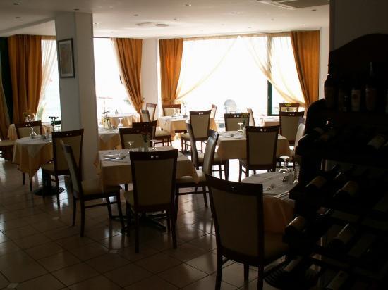 Palmera Beach Hotel : The dining room