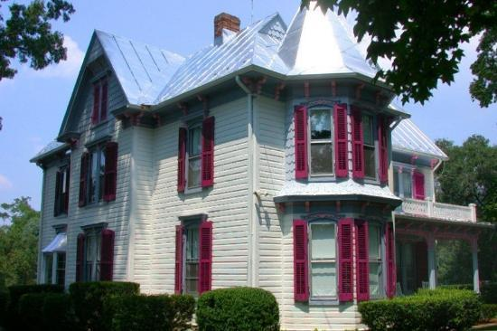 White Fence Bed & Breakfast: 1890 Victorian, White Fence Bed and Breakfast