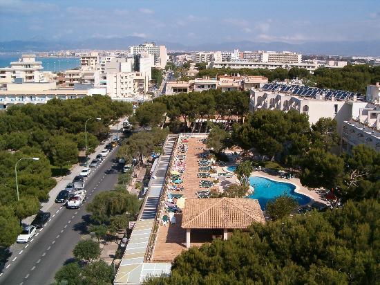 Leman: Beach View towards Palma, from 7th Floor