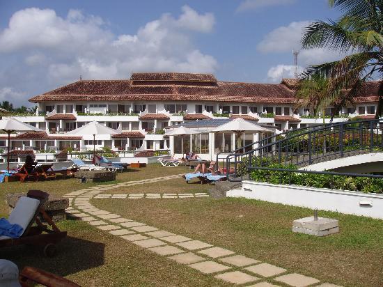 Vivanta by Taj - Bentota : View from terrace near pool