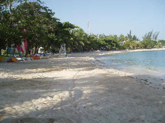 Half Moon : beach/not pretty water