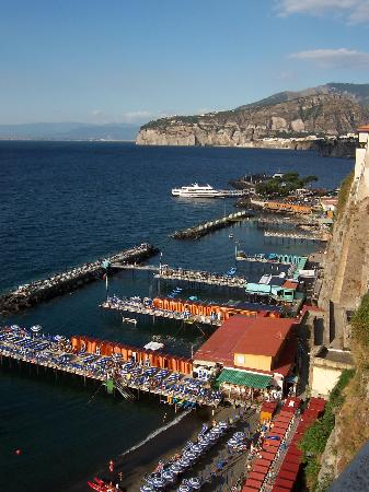 Сорренто, Италия: Sorrento sunbathing decks