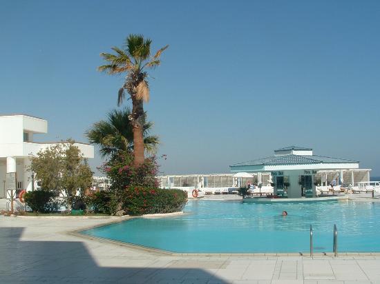 Hilton Hurghada Plaza: Hotel Pool at the Hilton Plaza 1