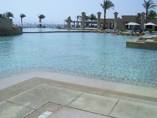 Sofitel Taba Heights : pool area
