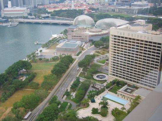 The Ritz-Carlton, Millenia Singapore: View frm the Club Lounge
