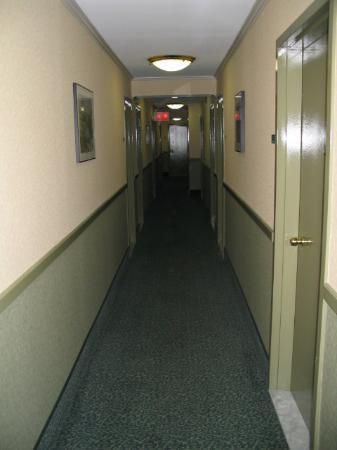 The Frederick Hotel: Corridor 7th floor