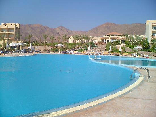 Holiday Resort Taba : View from poolside sun lounger