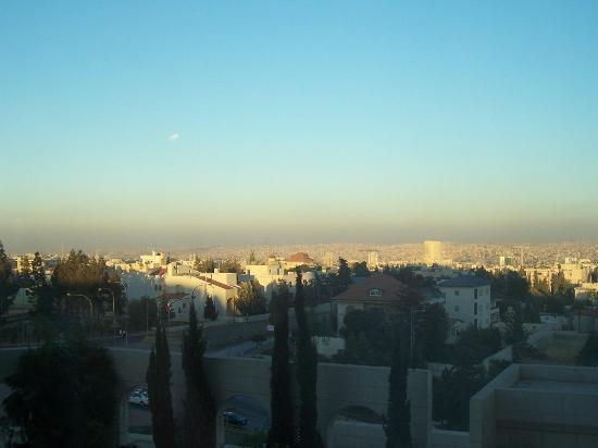 Sheraton Amman Al Nabil Hotel: Dusk in Amman from Sheraton Hotel