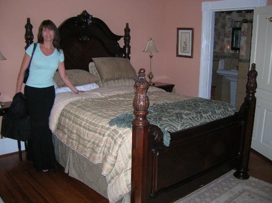 Washington, VA: Our Guest Room