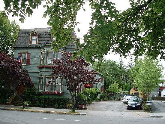 Victorian Ladies Inn: Main inn, two-story carriage house, yellow future honeymoon suite and onsite parking area