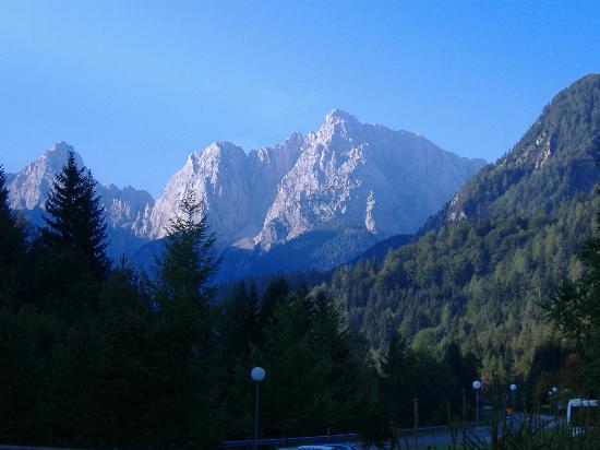 BEST WESTERN HOTEL KRANJSKA GORA: view from hotel