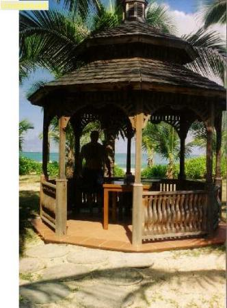 Galley Bay Resort & Spa: Gazebo
