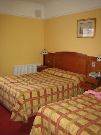 Kilford Arms Hotel: Bedroom