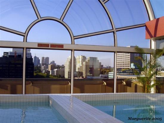 Melbourne Viewed From The Park View Hotel Pool Area Bild Von