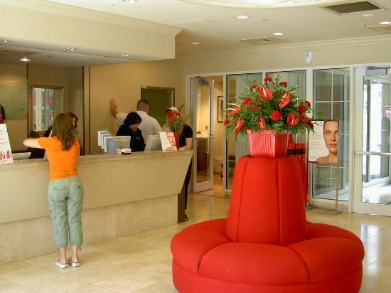 Marriott's Fairway Villas: Entrance to Elizabeth Arden Red Door Salon and Spa