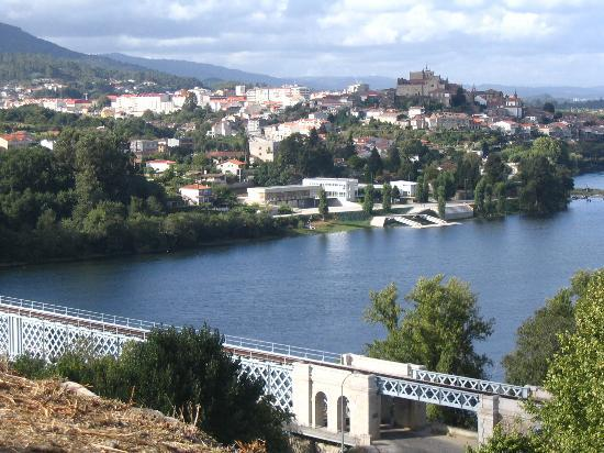 Parador de Tui: A view of the hotel and town from Portugal