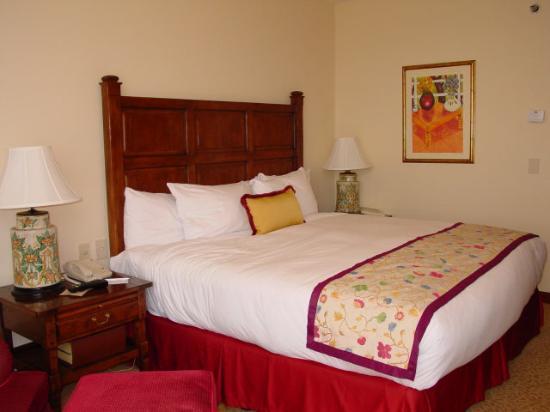 JW Marriott Hotel Mexico City: Bed - Room 2001 - JW Marriott Mexico City