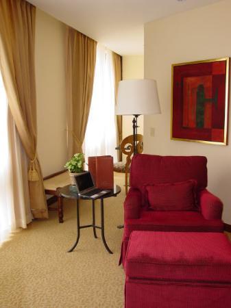 JW Marriott Hotel Mexico City: Sitting Area - Room 2001 - JW Marriott Mexico City