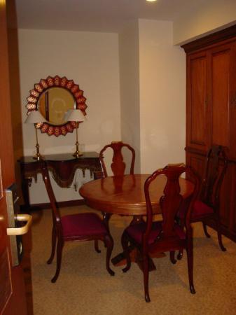 JW Marriott Hotel Mexico City: Dining Area - Room 2001 - JW Marriott Mexico City