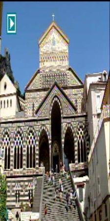 Il Gabbiano Hotel: a lovely church in Amalfi.