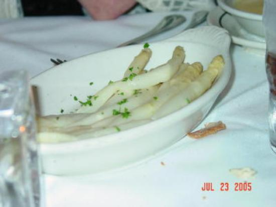Lucky's: Perfect White Asparagus