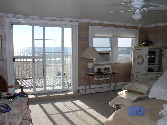 An Inn on the Ocean: Sunlit Oceana Room with balcony facing the ocean